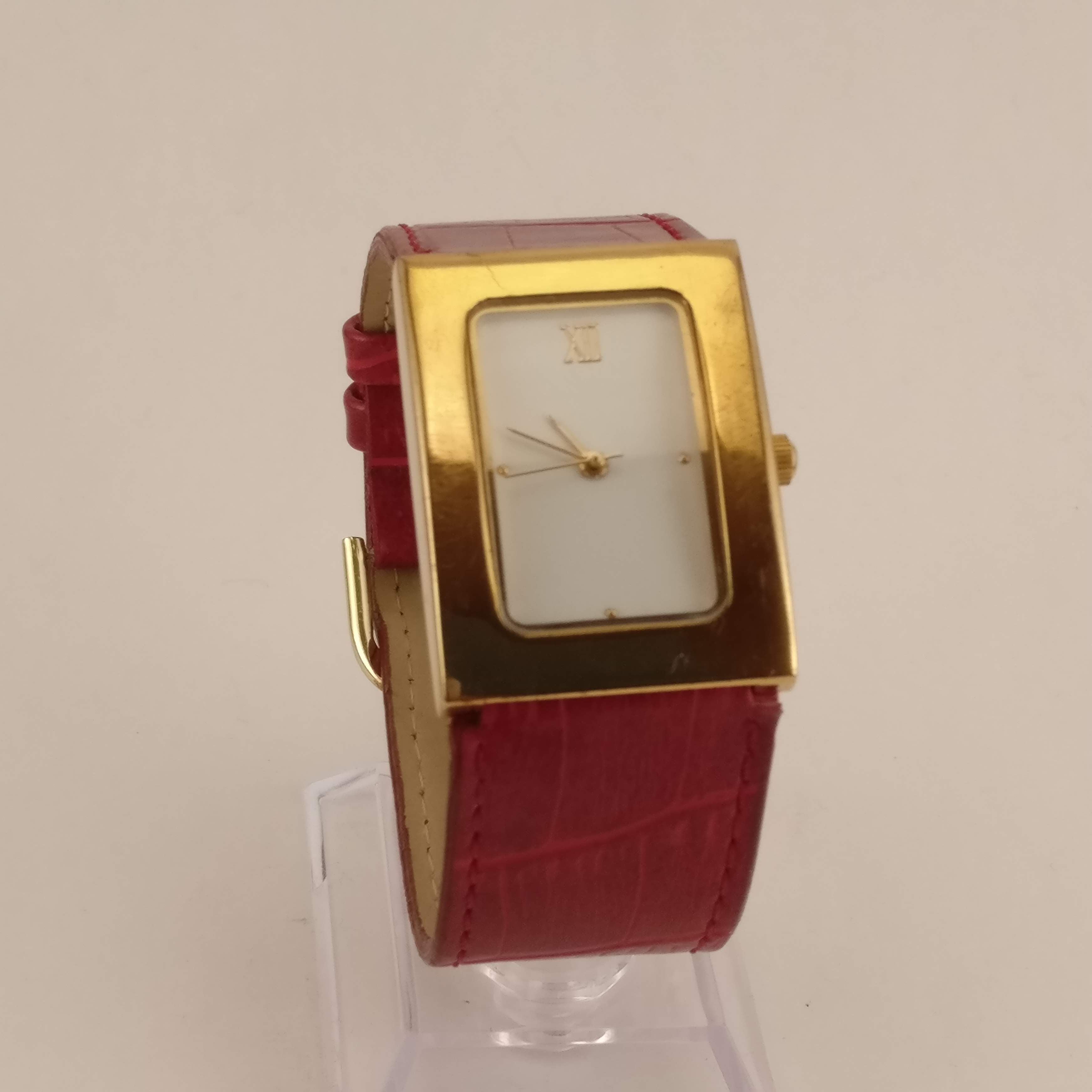 Nieuw Dames Horloge, Rode brede band GZ-18